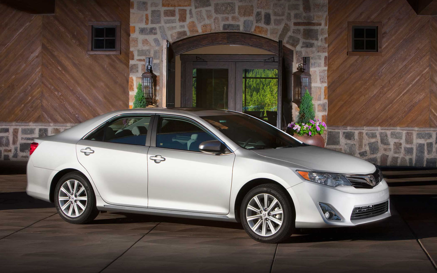 All 2012 Toyota Camrys Sold In U S Will Be Built In U S Motor Trend