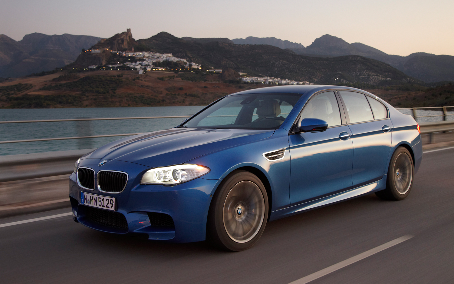 First Drive: 2012 BMW M5 - Motor Trend