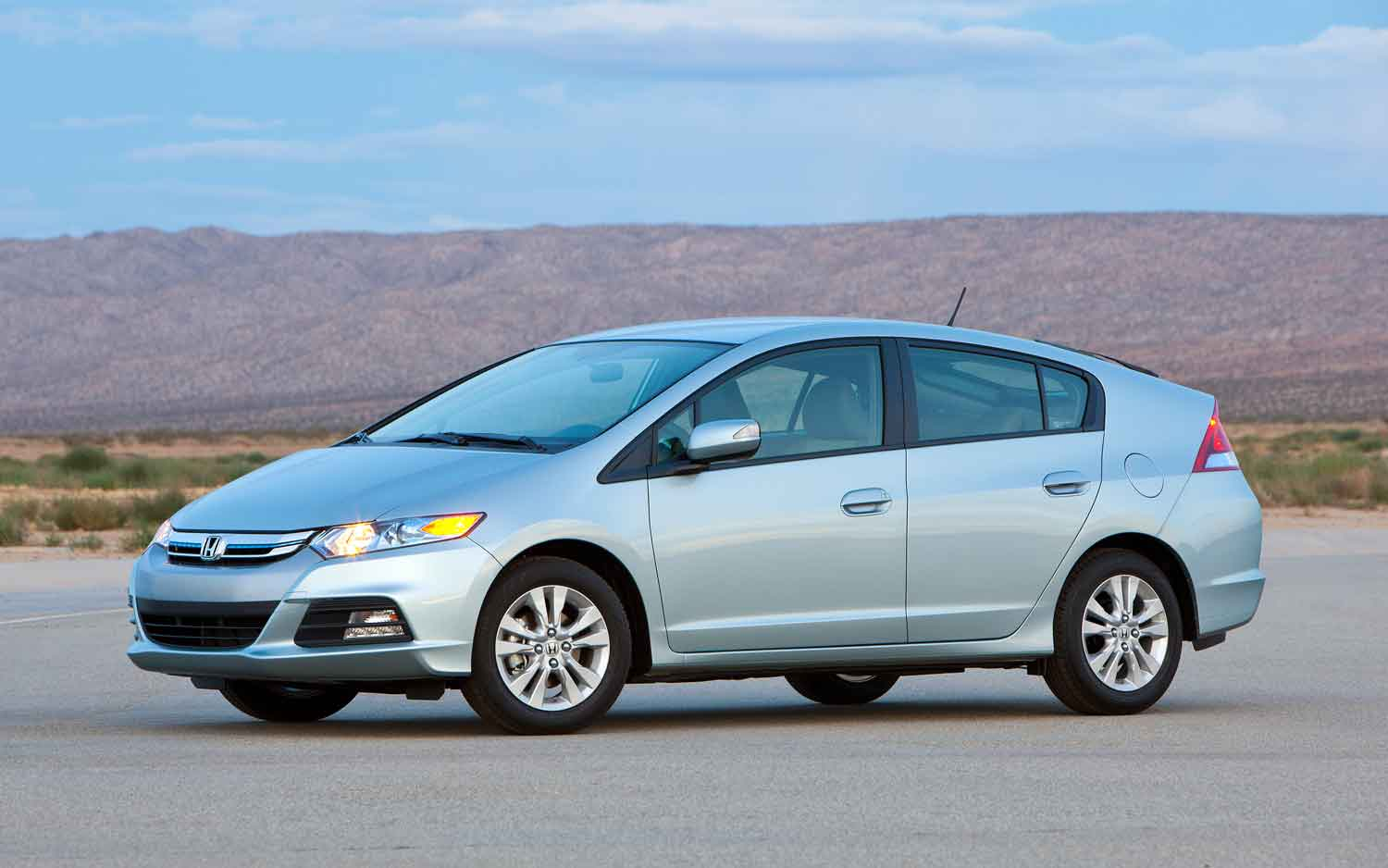 Youu0027re Buying WOT: $25,000 Honda Insight, Toyota Prius, Or Honda Civic  Hybrid