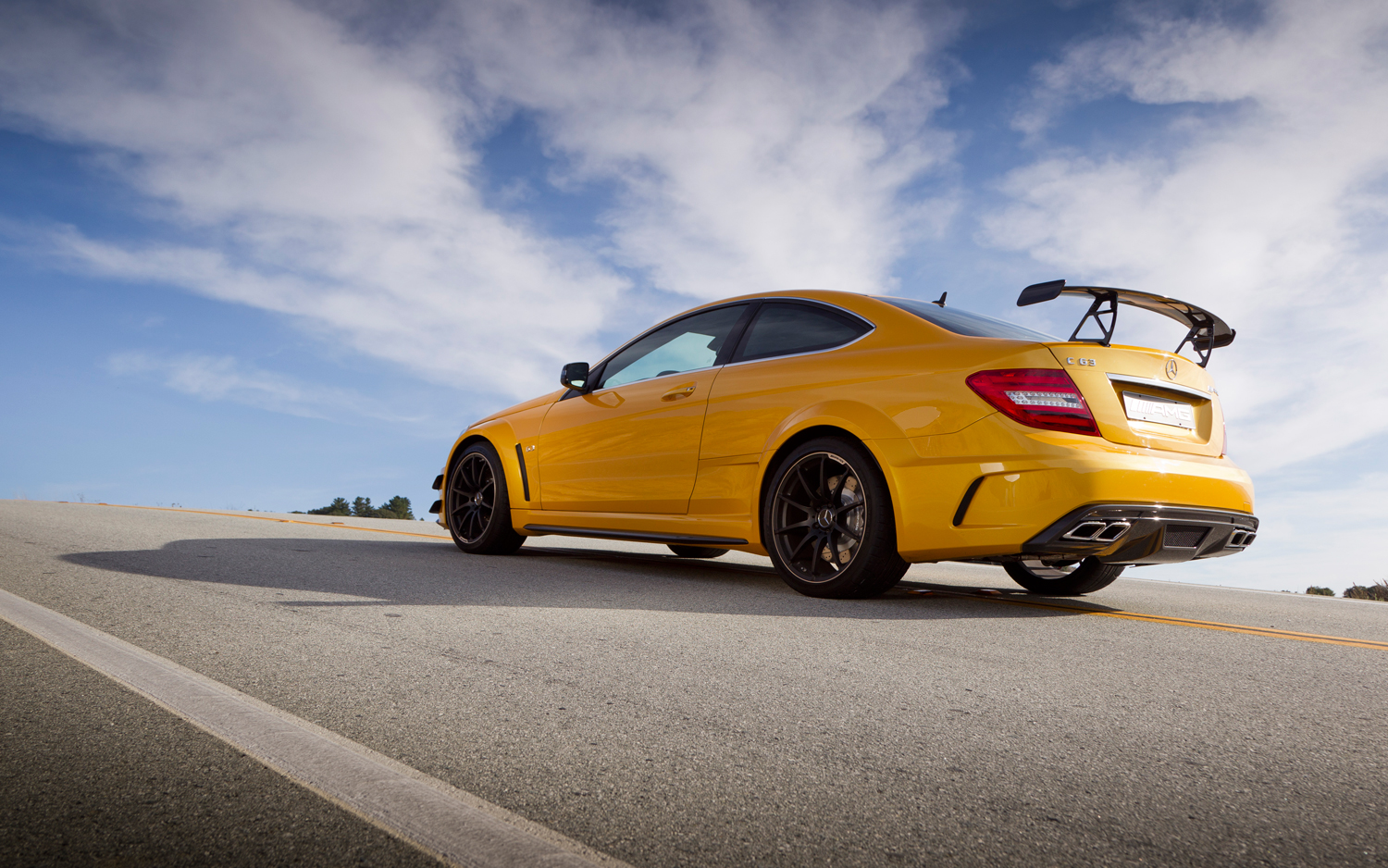 First Drive 2013 Mercedes Benz C63 Amg Coupe Black Series Motortrend