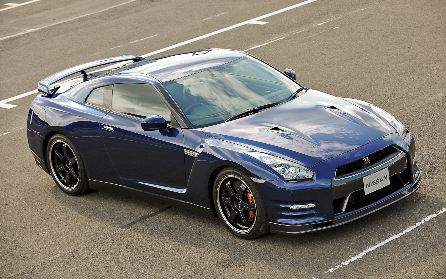 The clarkson review: 2015 nissan gt-r track edition.