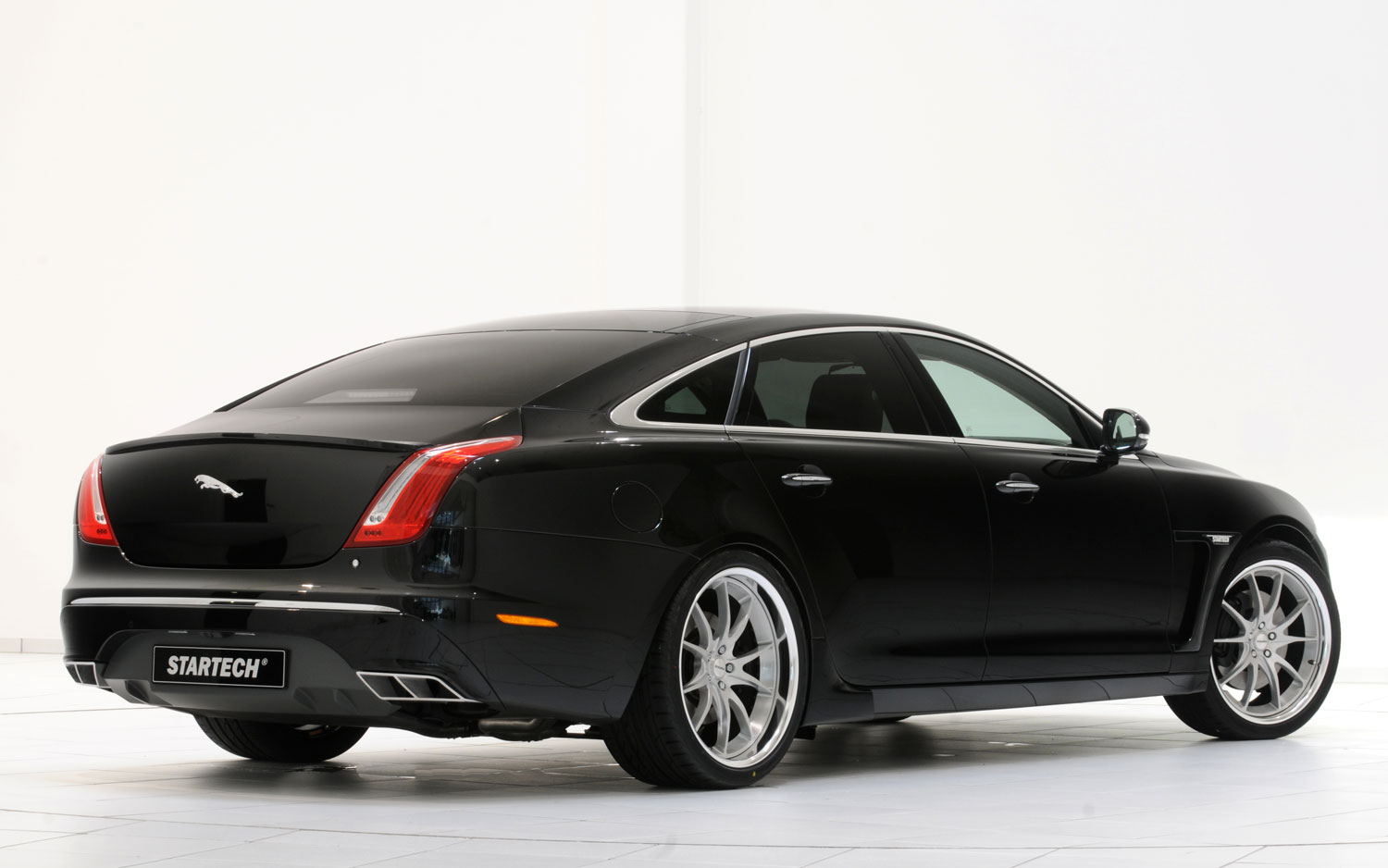 polished and pimped: the startech 2012 jaguar xj sedan - motortrend