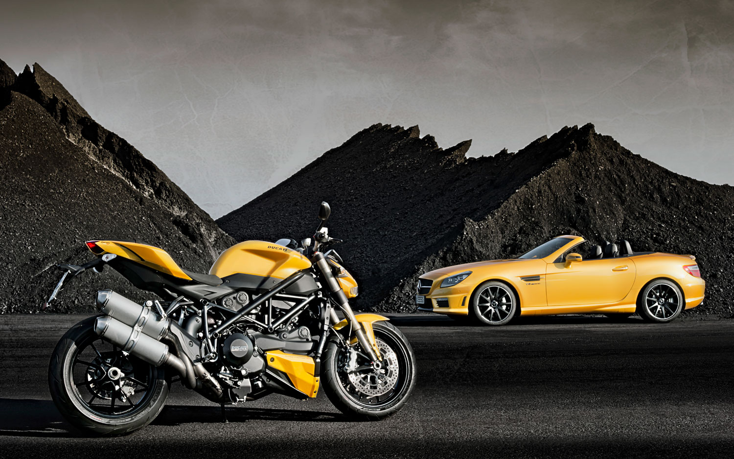 It S All Yellow Mercedes Slk55 Amg Ducati Get Matching Paintjobs