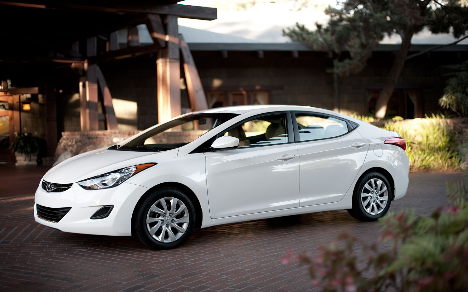 Hyundai Hits 2016 CAFE Target Early, Defends Elantra EPA Numbers