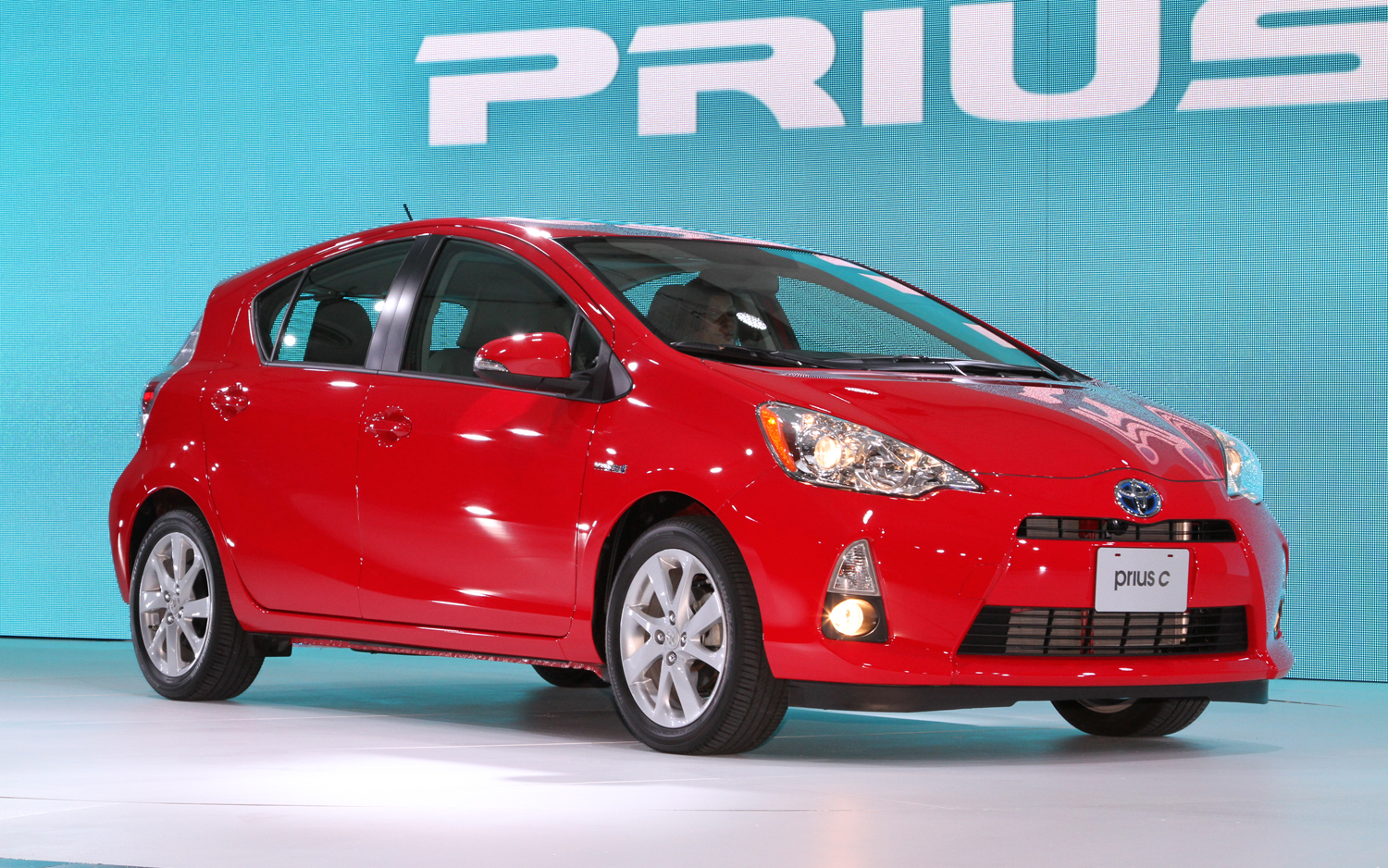 By The Numbers 2013 Toyota Prius C Vs 2012 Honda Insight Vs 2012