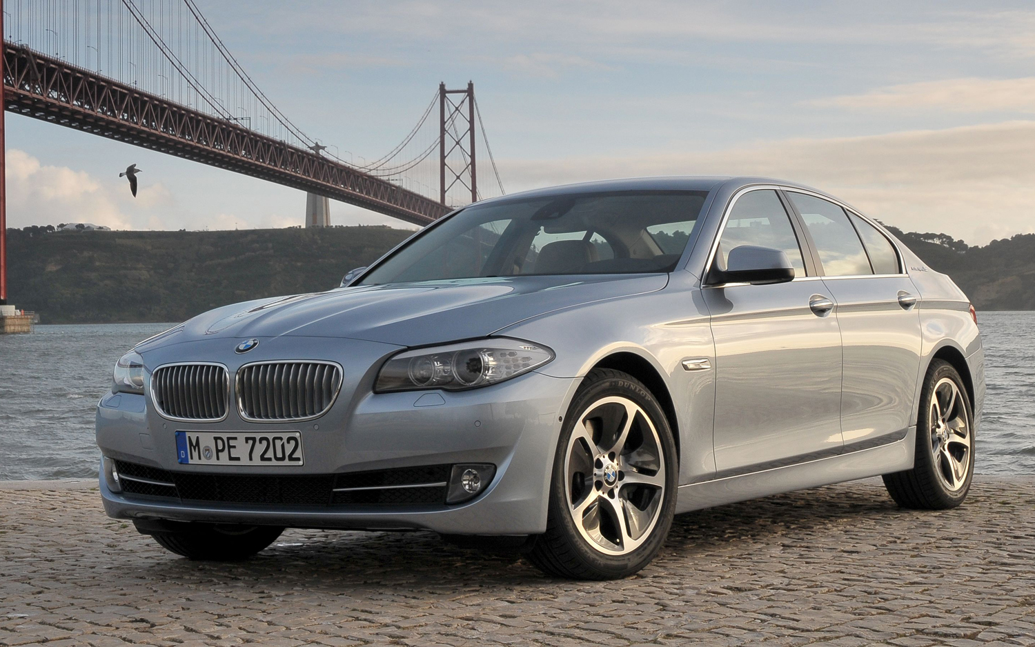 First Drive: 2012 BMW ActiveHybrid 5 - Motor Trend