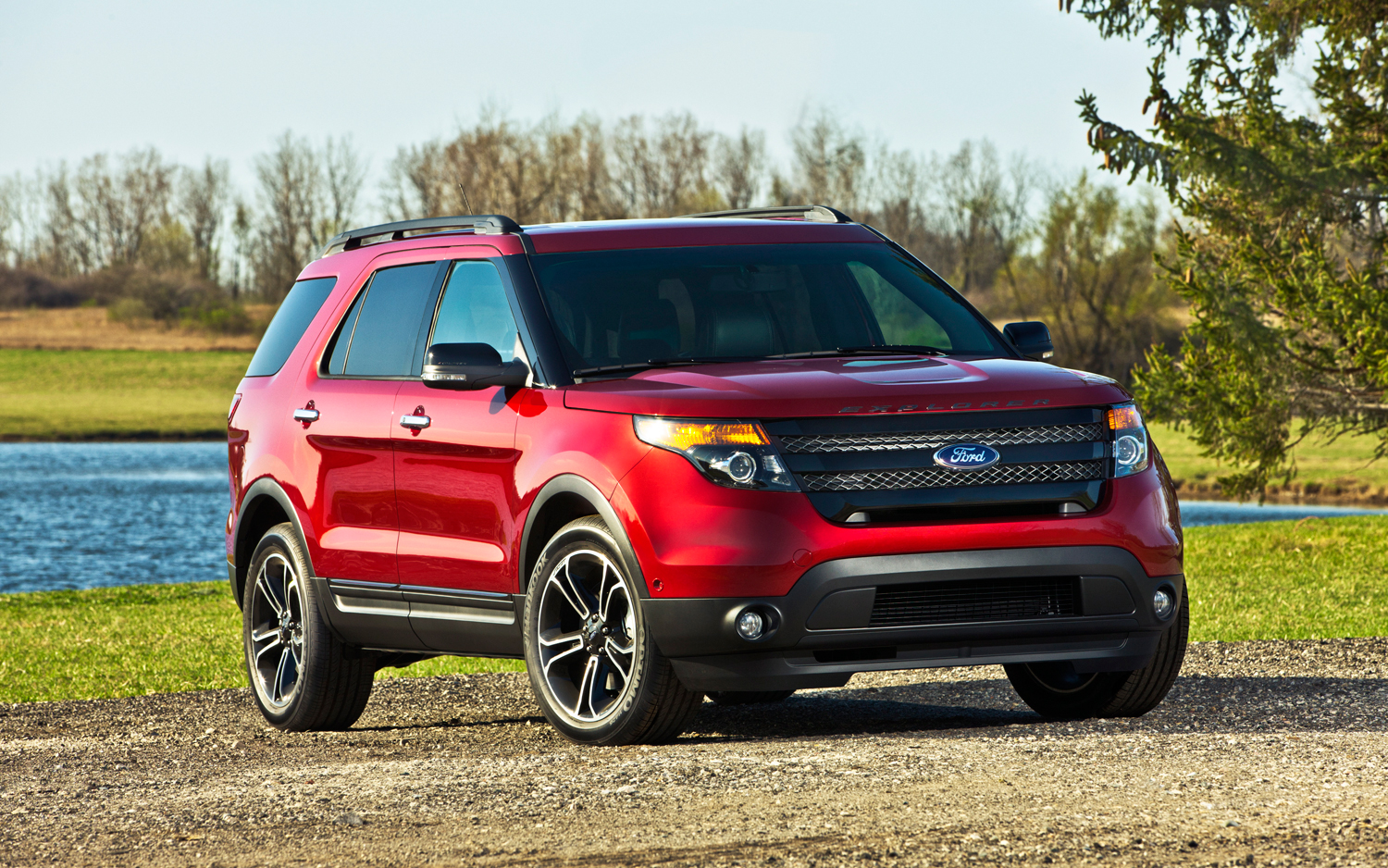 2013 ford explorer sport boasts new look ecoboost v 6