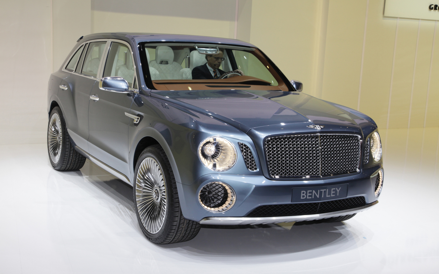 Video Find: Bentley Designers Discuss EXP 9 F Concept - Motor Trend