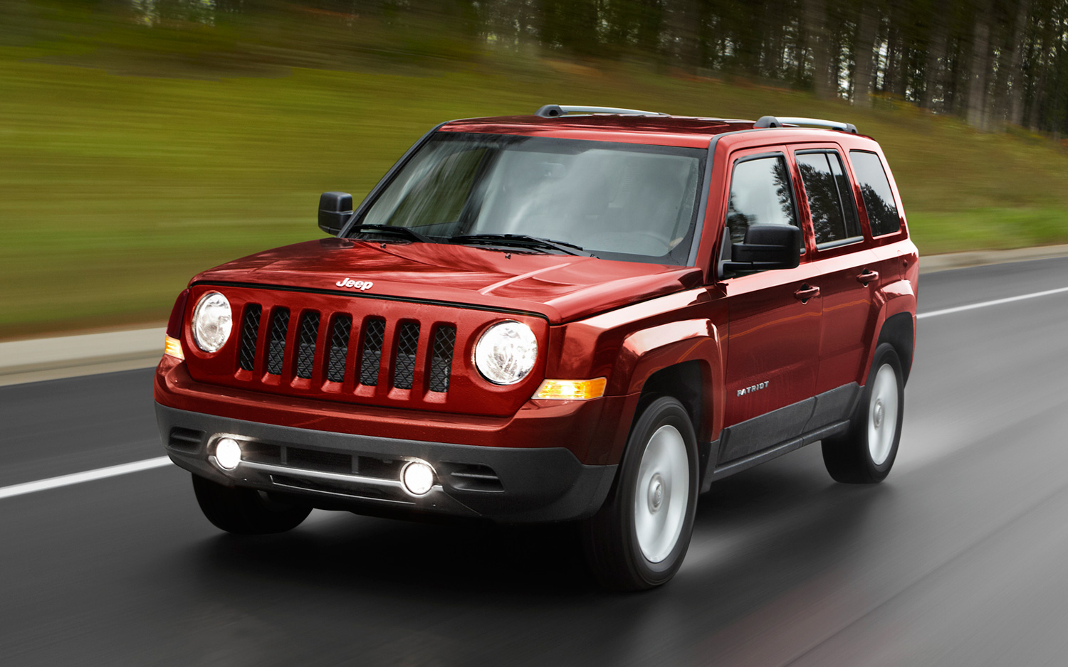Recall Roundup: Jeep Compass and Patriot Fuel Tanks, Chrysler Minivan Wheel  Hubs