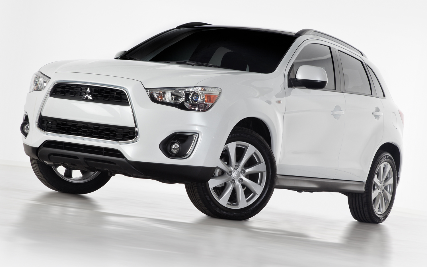 2012 New York: Refreshed 2013 Mitsubishi Outlander Sport Debuts With  Standard 18 Inch Wheels