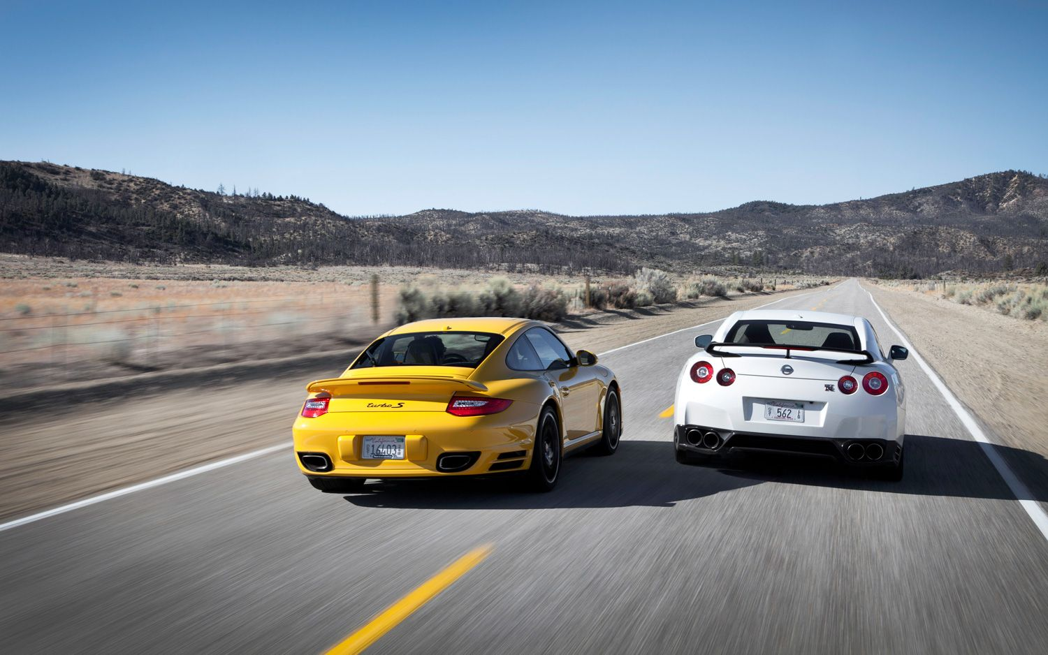 thread of the day: 2013 nissan gt-r or 2012 porsche 911 turbo s