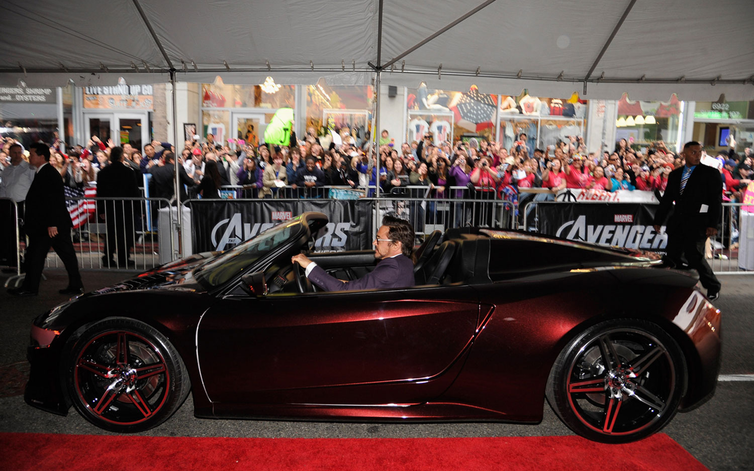 U0027The Avengersu0027 Premiere Features Acura NSX Like Convertible On Red Carpet