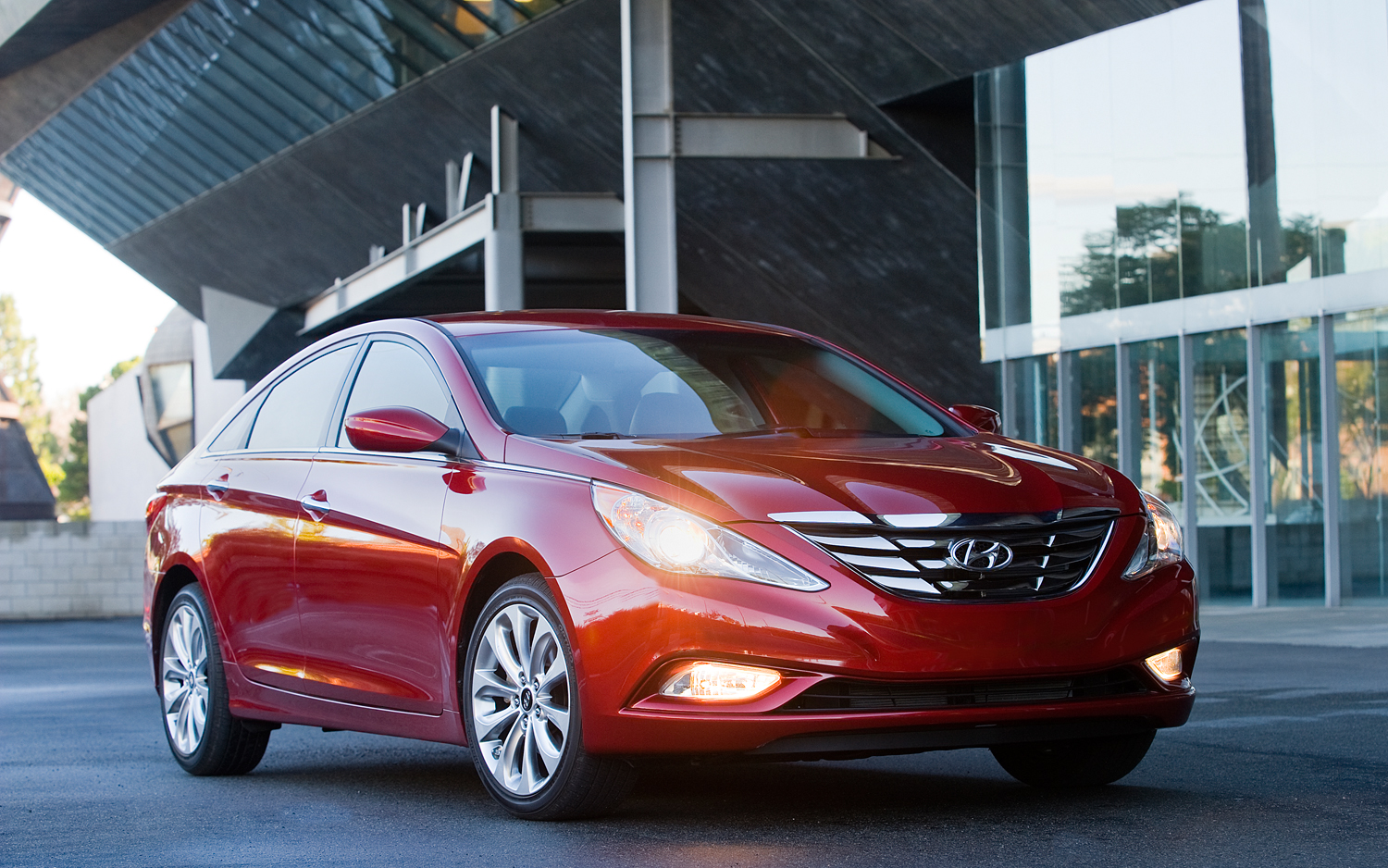 2013 Hyundai Sonata Gets More Equipment, Modest Price Bump