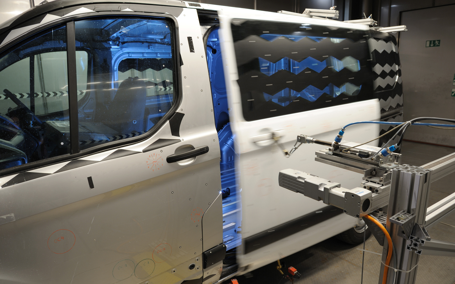 Watch Your Fingers Ford Transit Custom Van Doors Slammed 550000 Times in Torture Test & Watch Your Fingers: Ford Transit Custom Van Doors Slammed 550000 ...