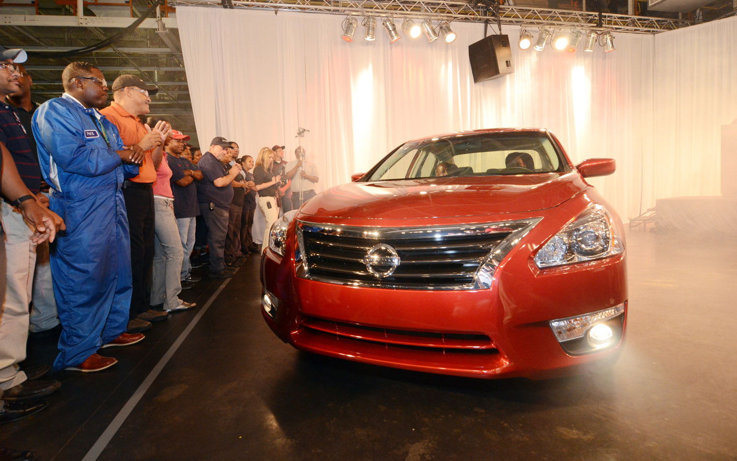 2013 Nissan Altima Rolls Off Line In Mississippi, Will Get 38 MPG Highway