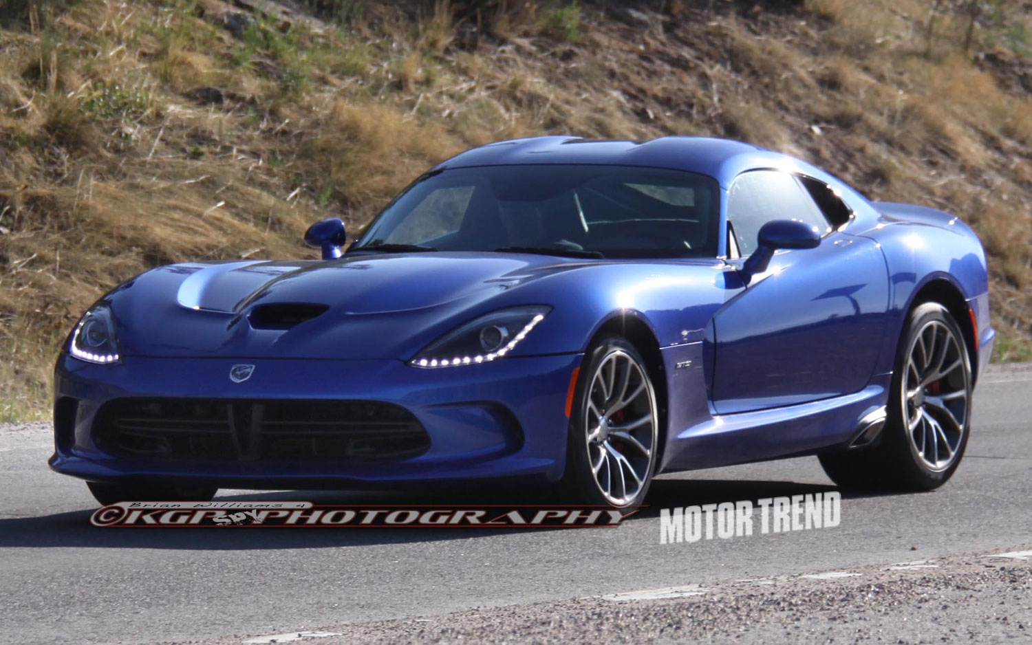 True Blue Hue 2013 Srt Viper Gts Caught Wearing A Familiar Paint 2014 Dodge Ram Colors Color