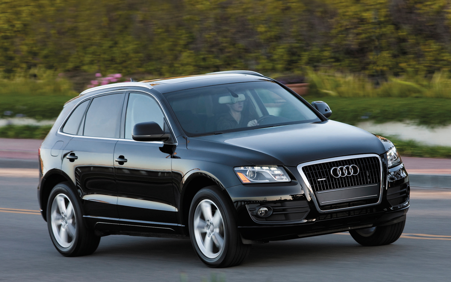 Recall Roundup 2012 Audi Q5 Models Recalled For Faulty Sunroof