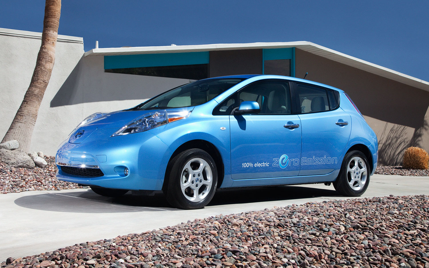 Report 2013 nissan leaf may boast 25 percent range boost cheaper report 2013 nissan leaf may boast 25 percent range boost cheaper base model with poll freerunsca Choice Image
