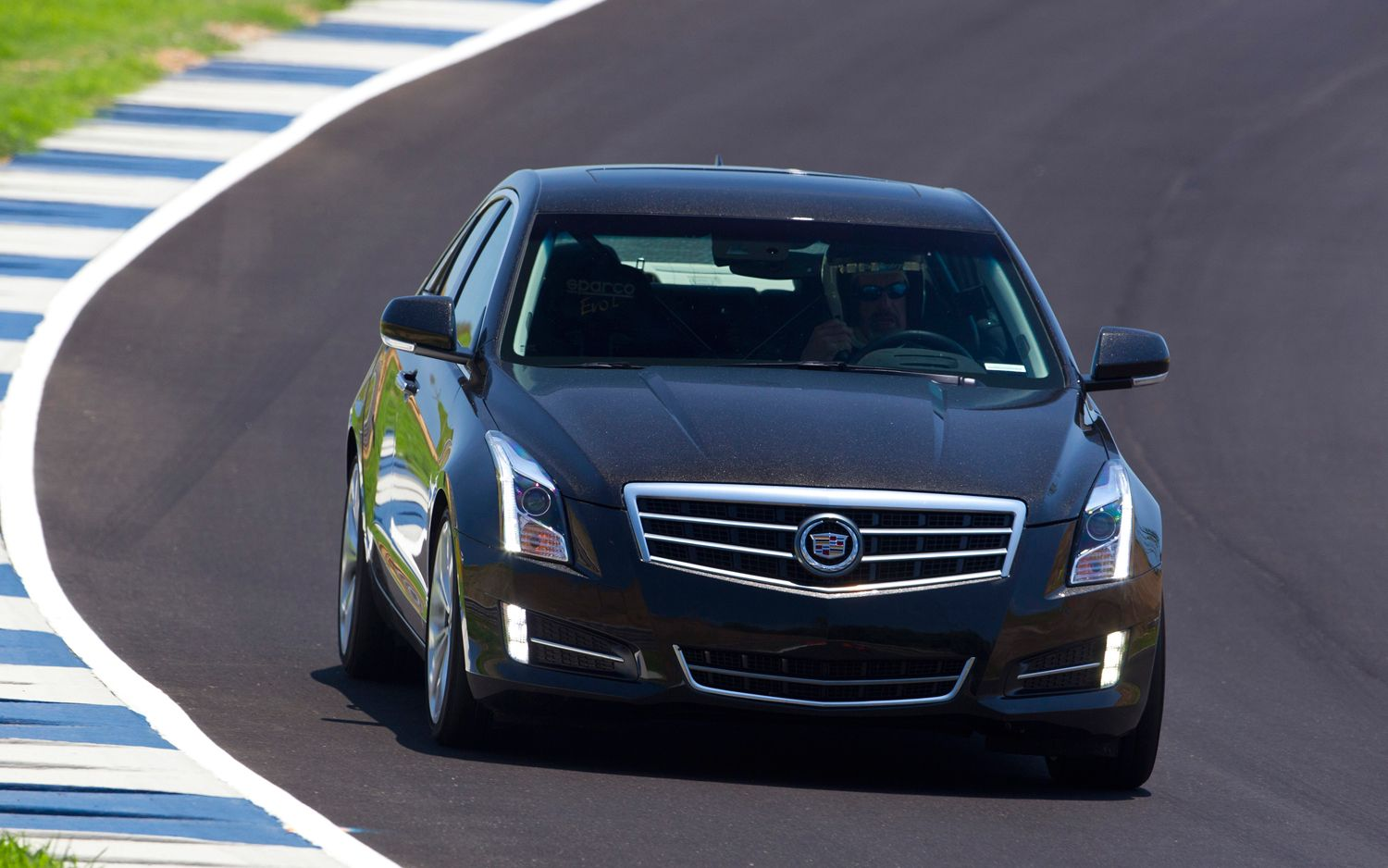 2013 Cadillac Ats 2 0t Epa Rated At 21 31 Mpg City Highway Motor Trend