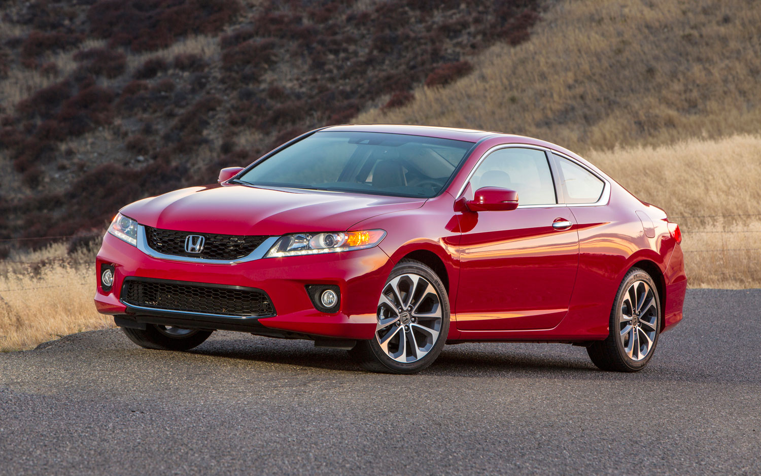Refreshing Or Revolting 2013 Honda Accord Coupe Motor Trend Rh Motortrend  Com 2010 Honda Accord Coupe V6 Manual Transmission 2007 Honda Accord Coupe  V6 ...