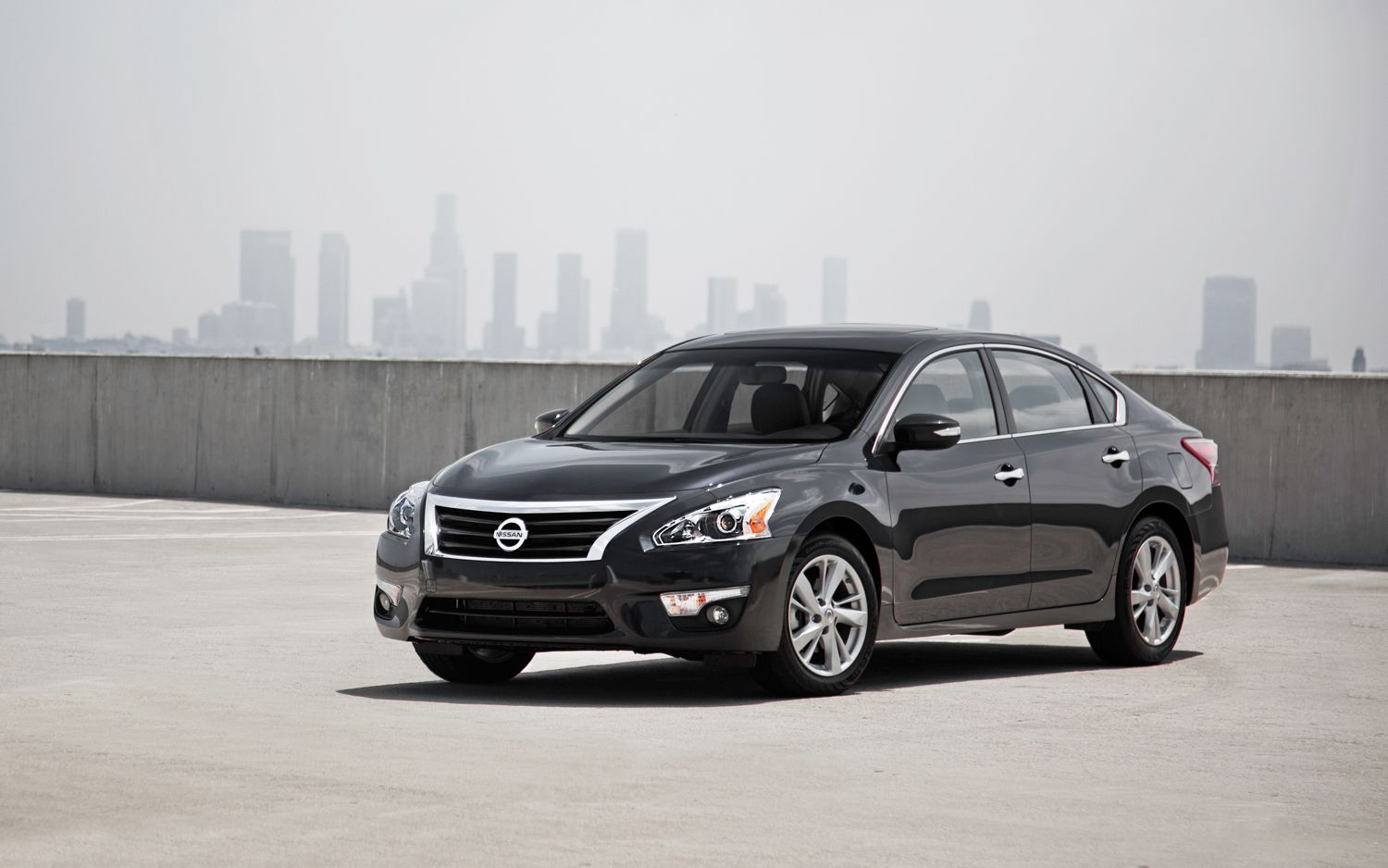 2013 Nissan Altima Earns Five Star Safety Rating From NHTSA