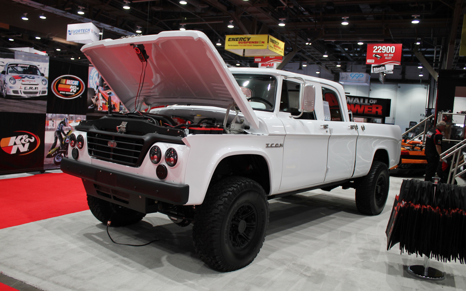 Icon Dodge D200 Pickup Motortrend