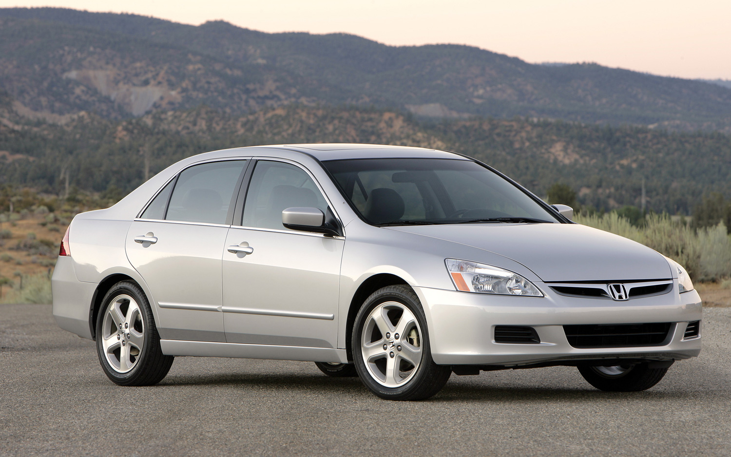 Honda Recalls 573,147 2003-2007 Accords and 52,615 2007-2008