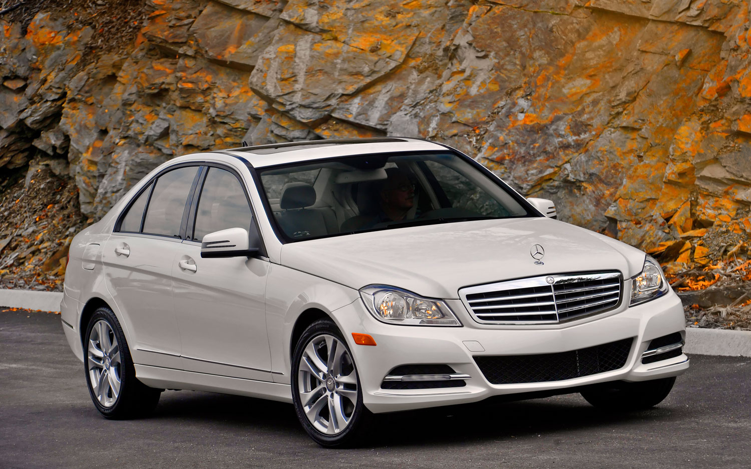 2013 Mercedes Benz C300 4Matic Gets More Power, Better Economy