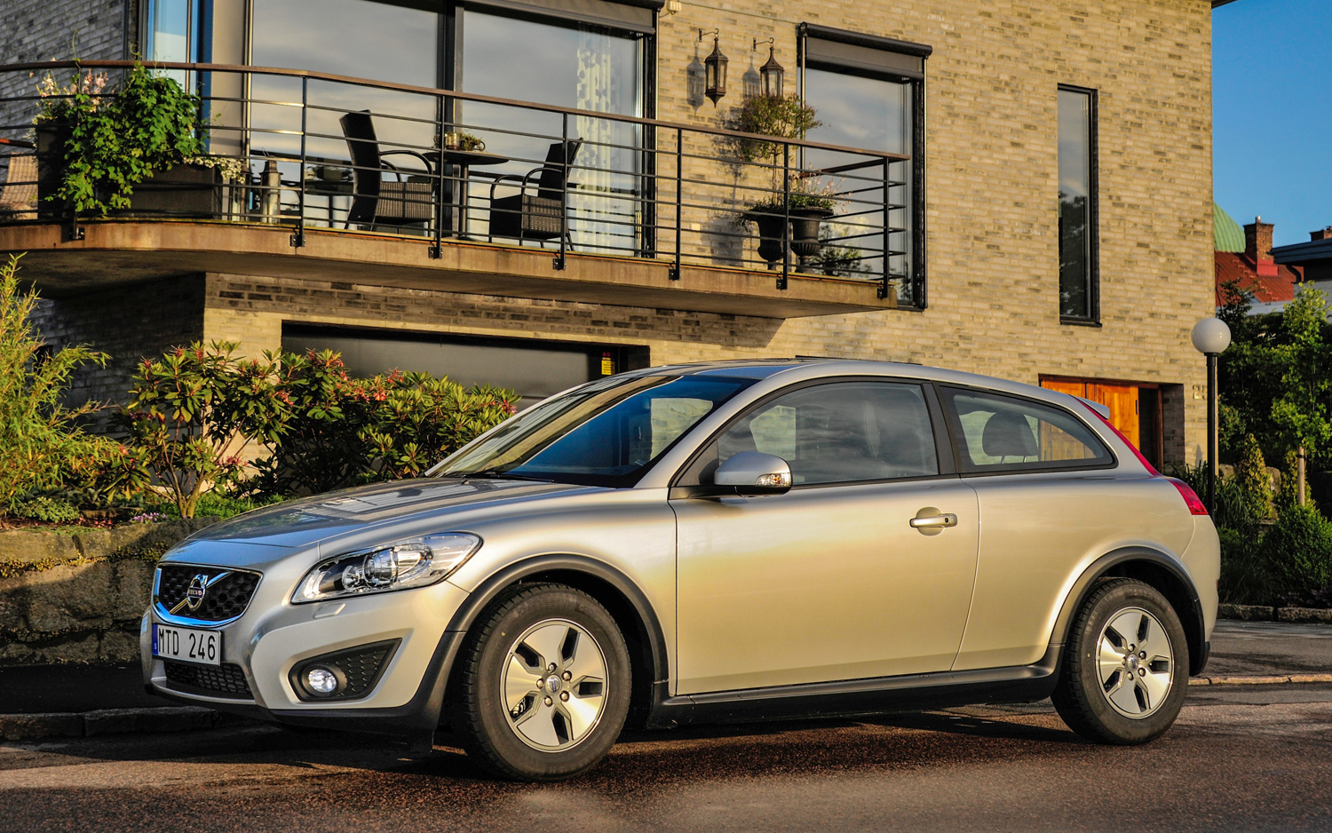 volvo confirms decision to kill c30 hatchback after this year