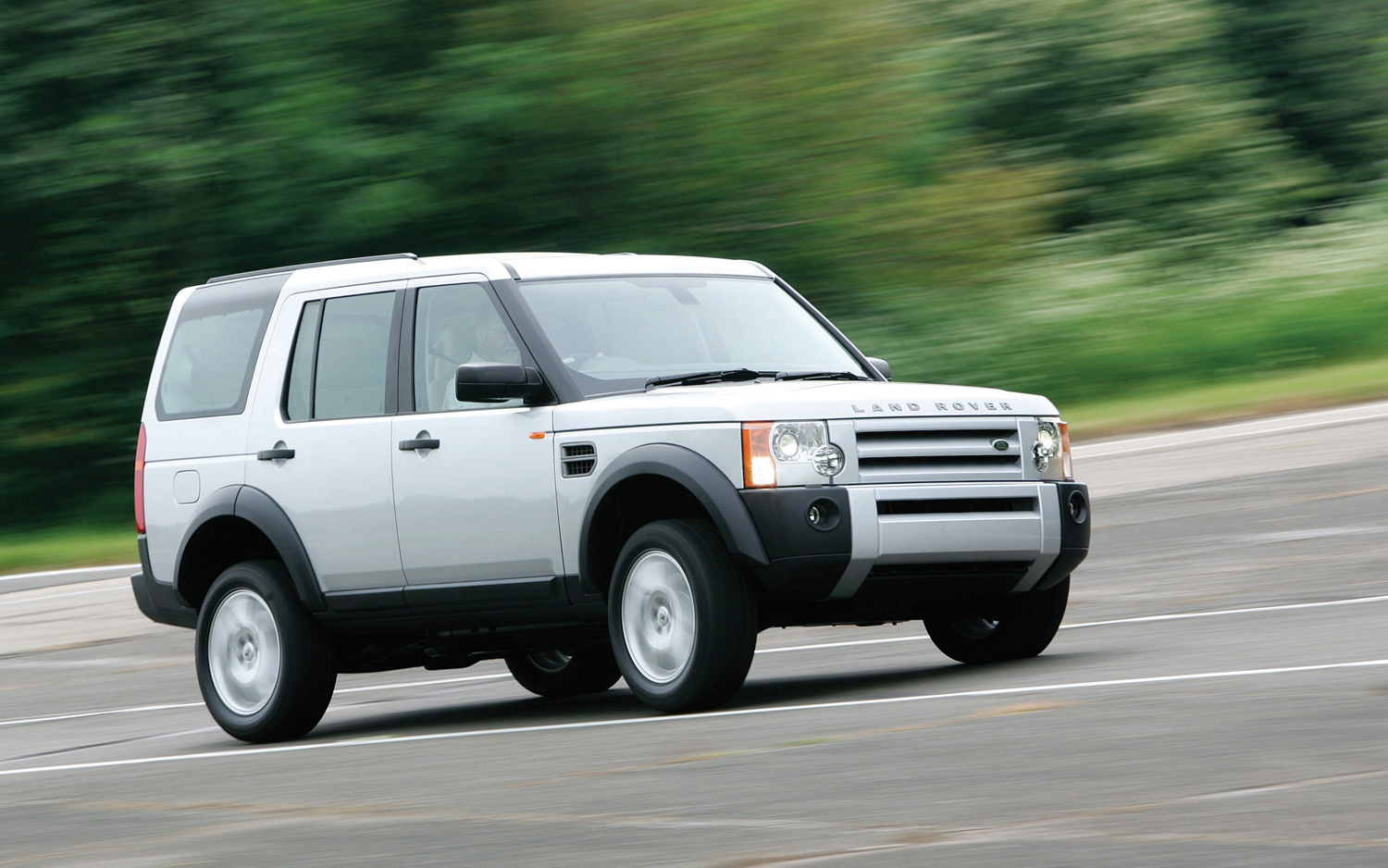 Article Past Suv Of The Year Winners Overstockcom Cars 2005 Lr3 Engine Diagram Motor Trend Land Rover