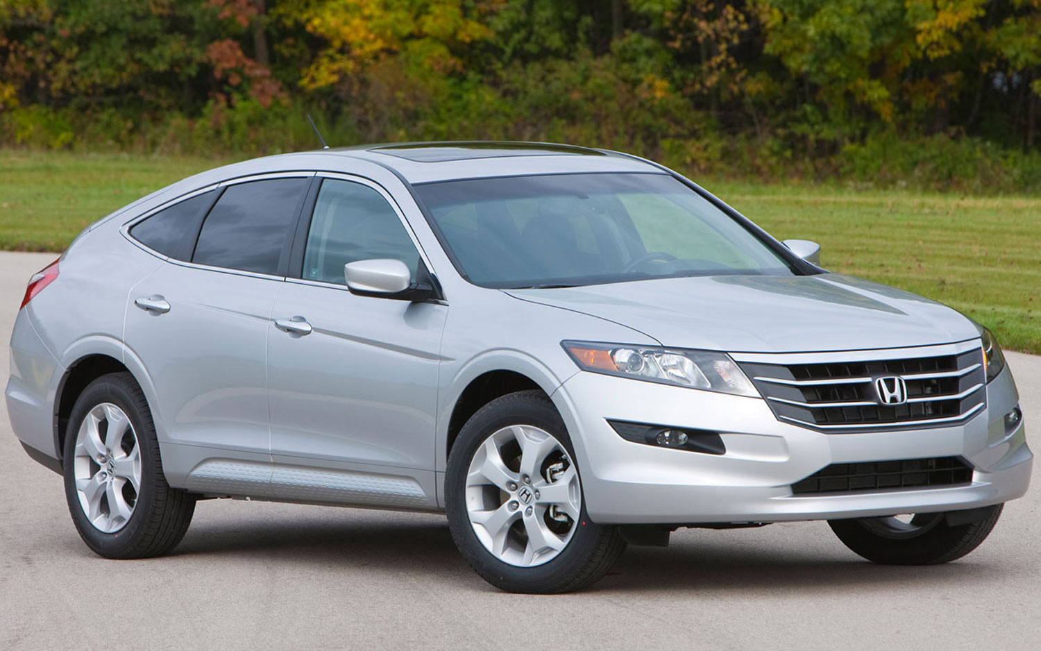 2012 Honda Crosstour Fwd V 6 First Test Motortrend