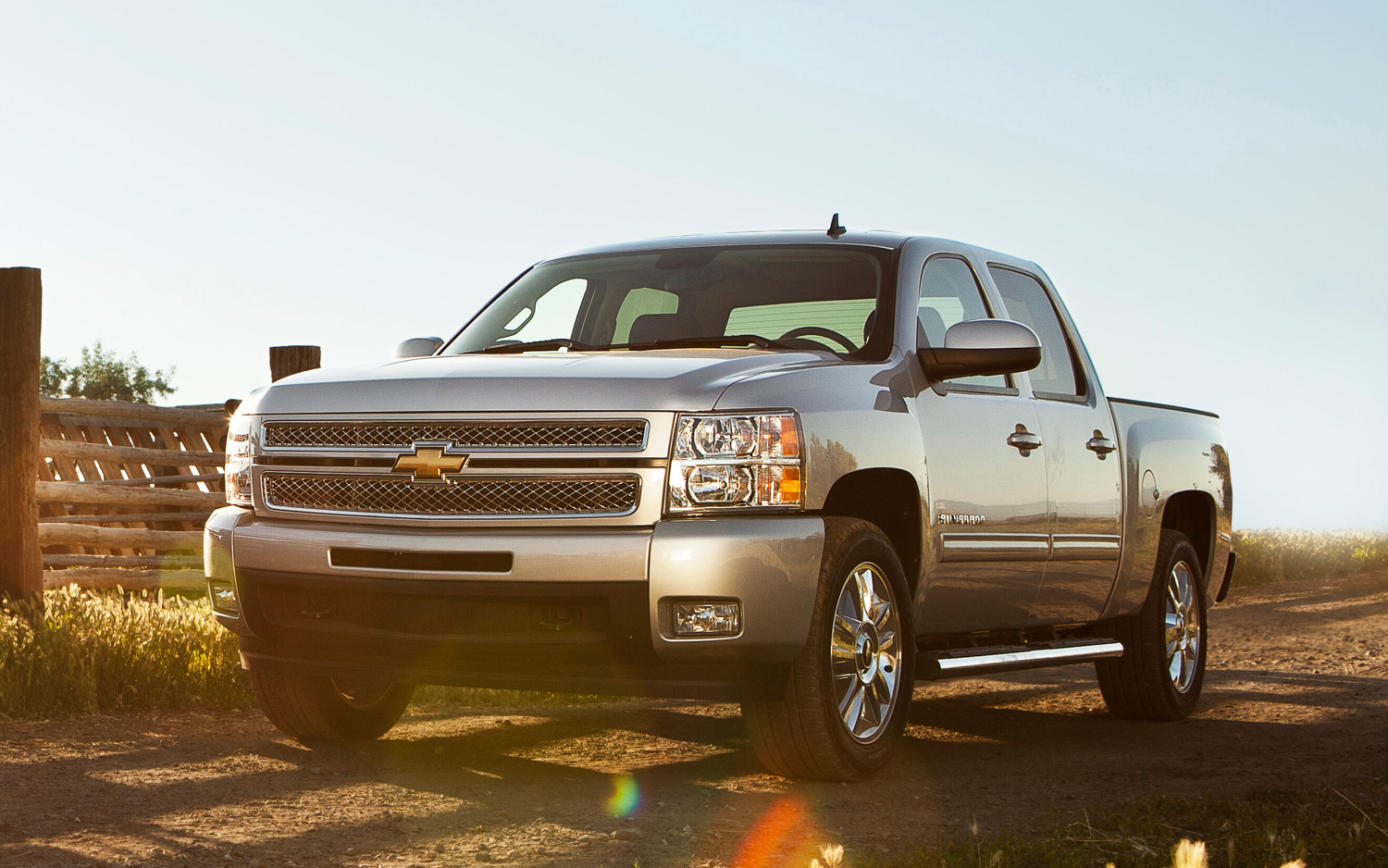 Recalls: 54,686 Chevrolet, GMC, Cadillac Trucks and SUVs for