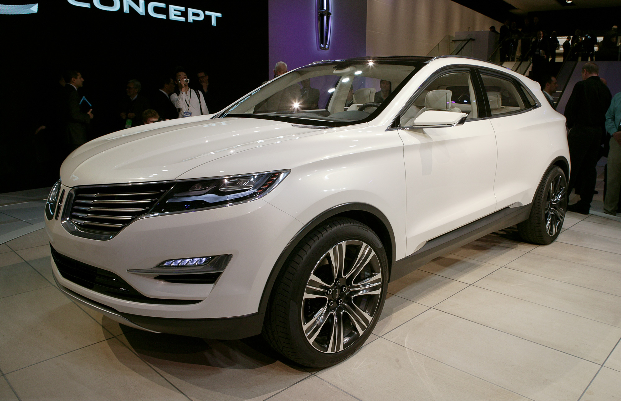 Lincoln MKC Concept First Look - Motor Trend