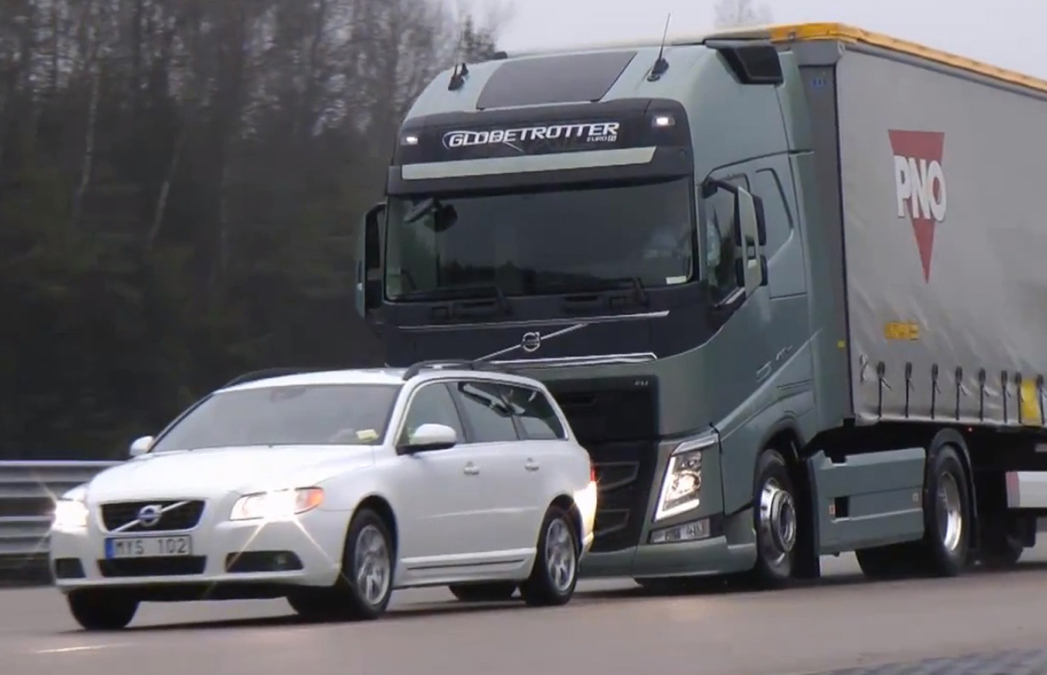 Video Find Volvo S New Semi Truck Stops Itself Just Shy Of A