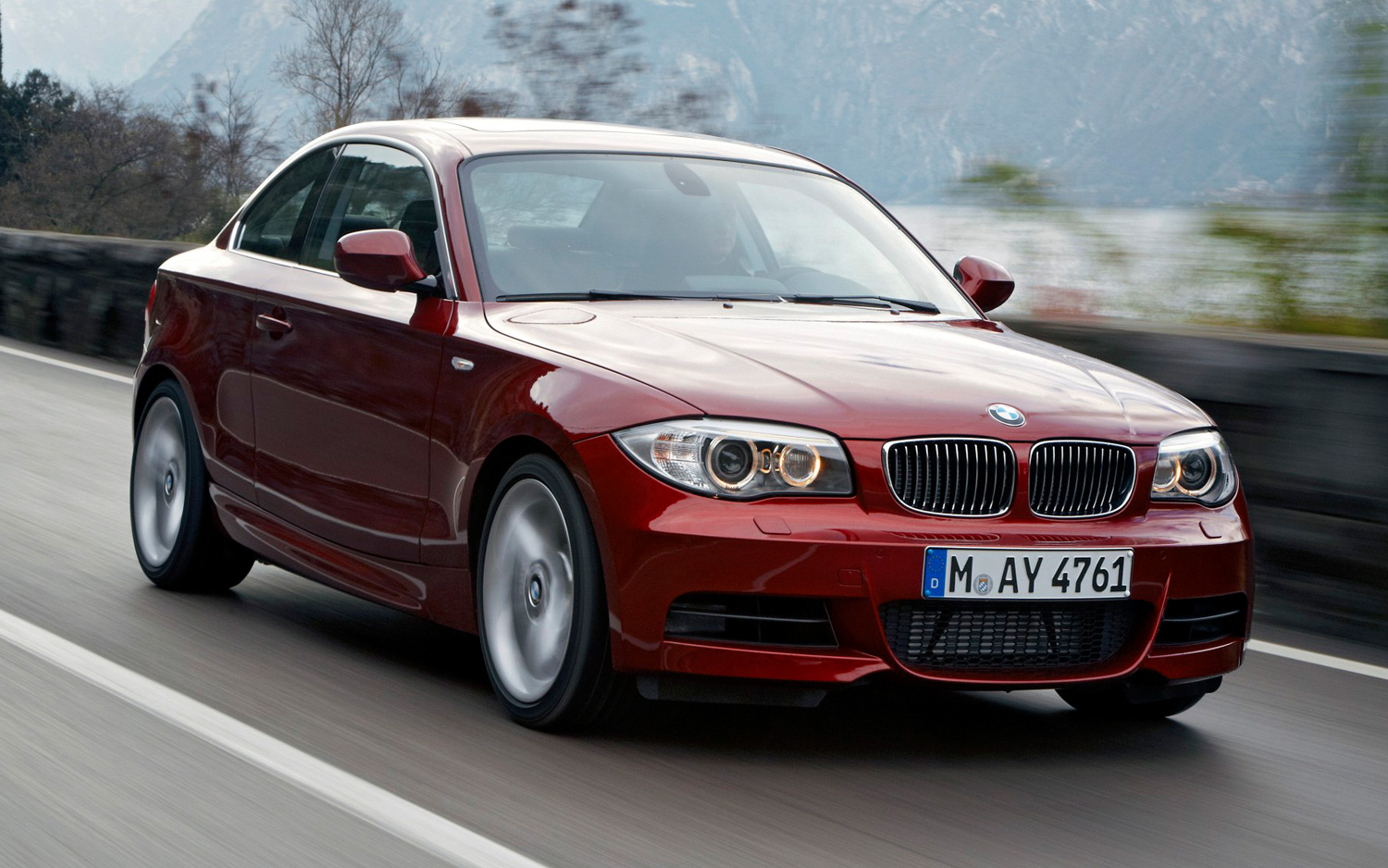 recalls half million bmw 3 series 1 series z4 models. Black Bedroom Furniture Sets. Home Design Ideas