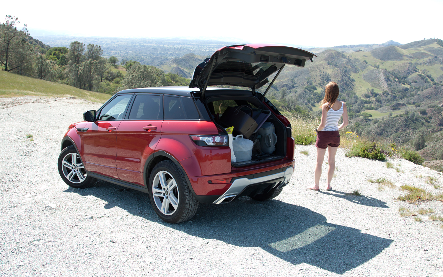 https://enthusiastnetwork.s3.amazonaws.com/uploads/sites/5/2013/02/2012-Land-Rover-Range-Rover-Evoque-rear-three-quarters.jpg?impolicy=entryimage