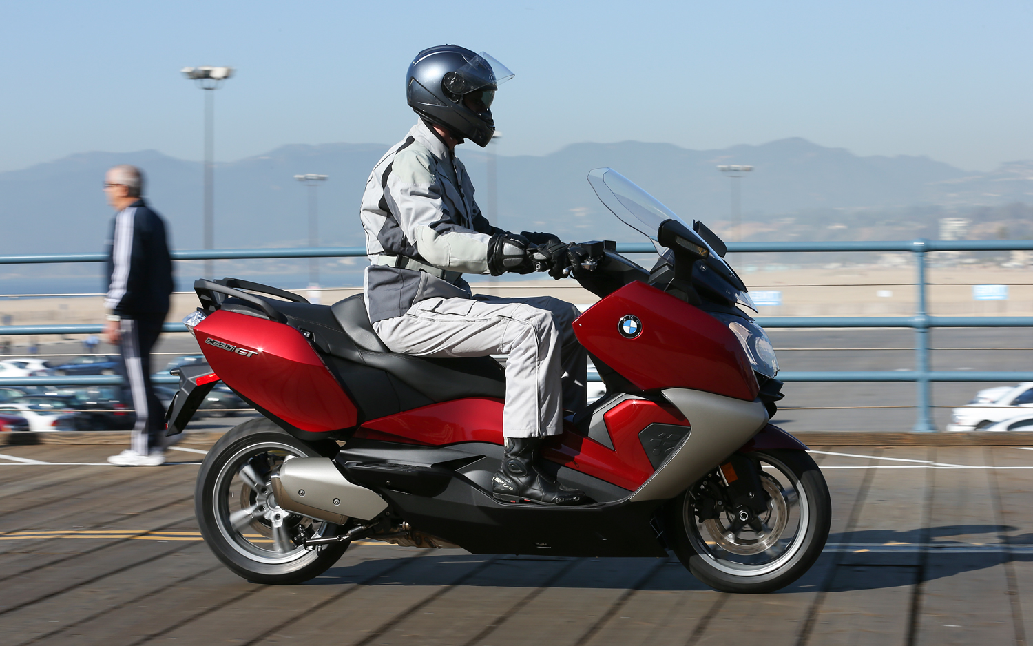 Bmw C650gt Scooter First Ride Motor Trend Motortrend
