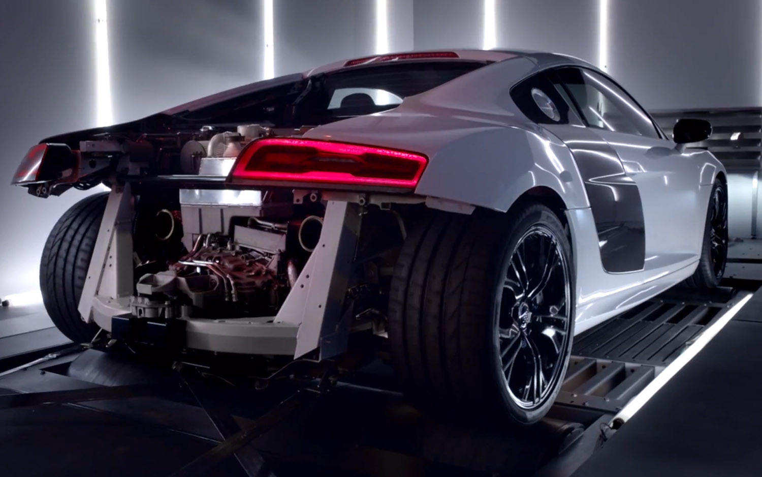Listen To A Stripped Audi R8 V10 Plus On A Dyno Motortrend