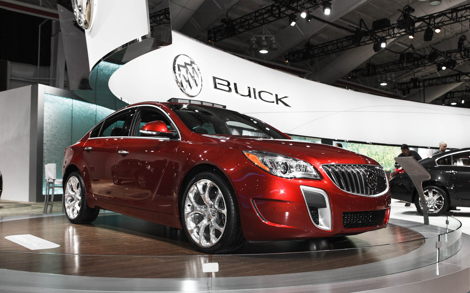 2014 Buick Regal First Look