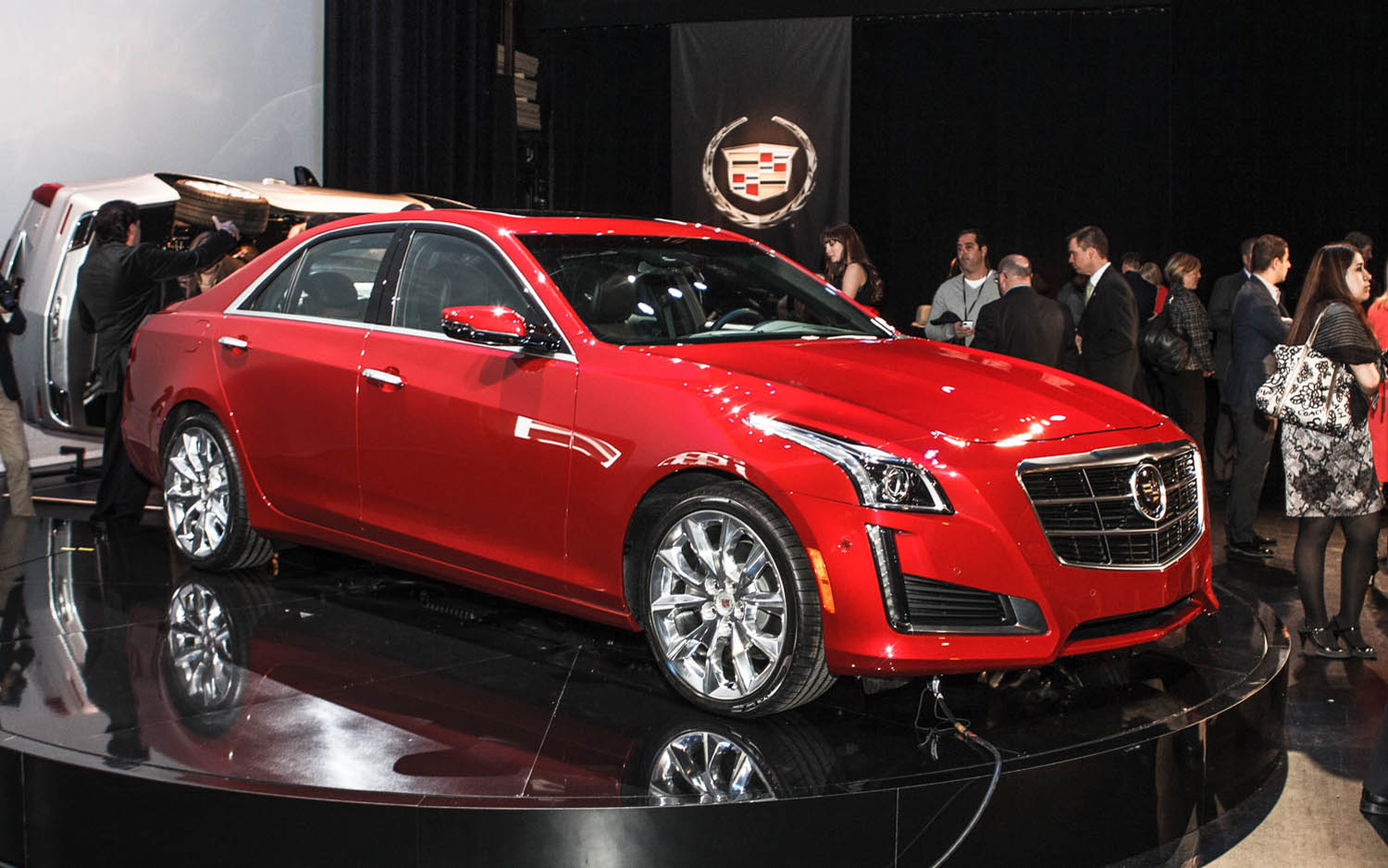 Specs Check: 2014 Cadillac CTS Against the Competition - Motor Trend