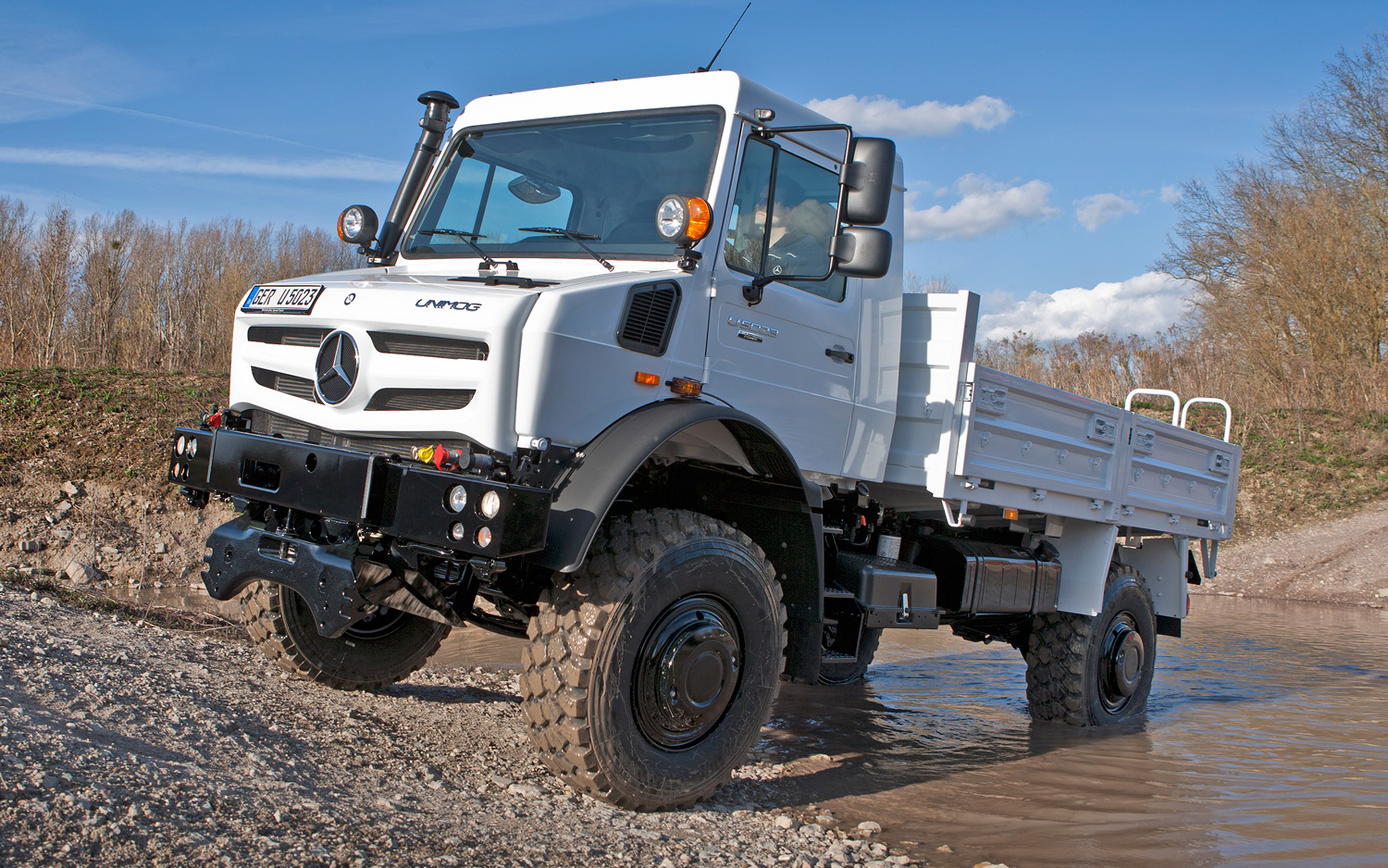 New Mercedes Unimog Ready to Run Over Everything - Motor Trend