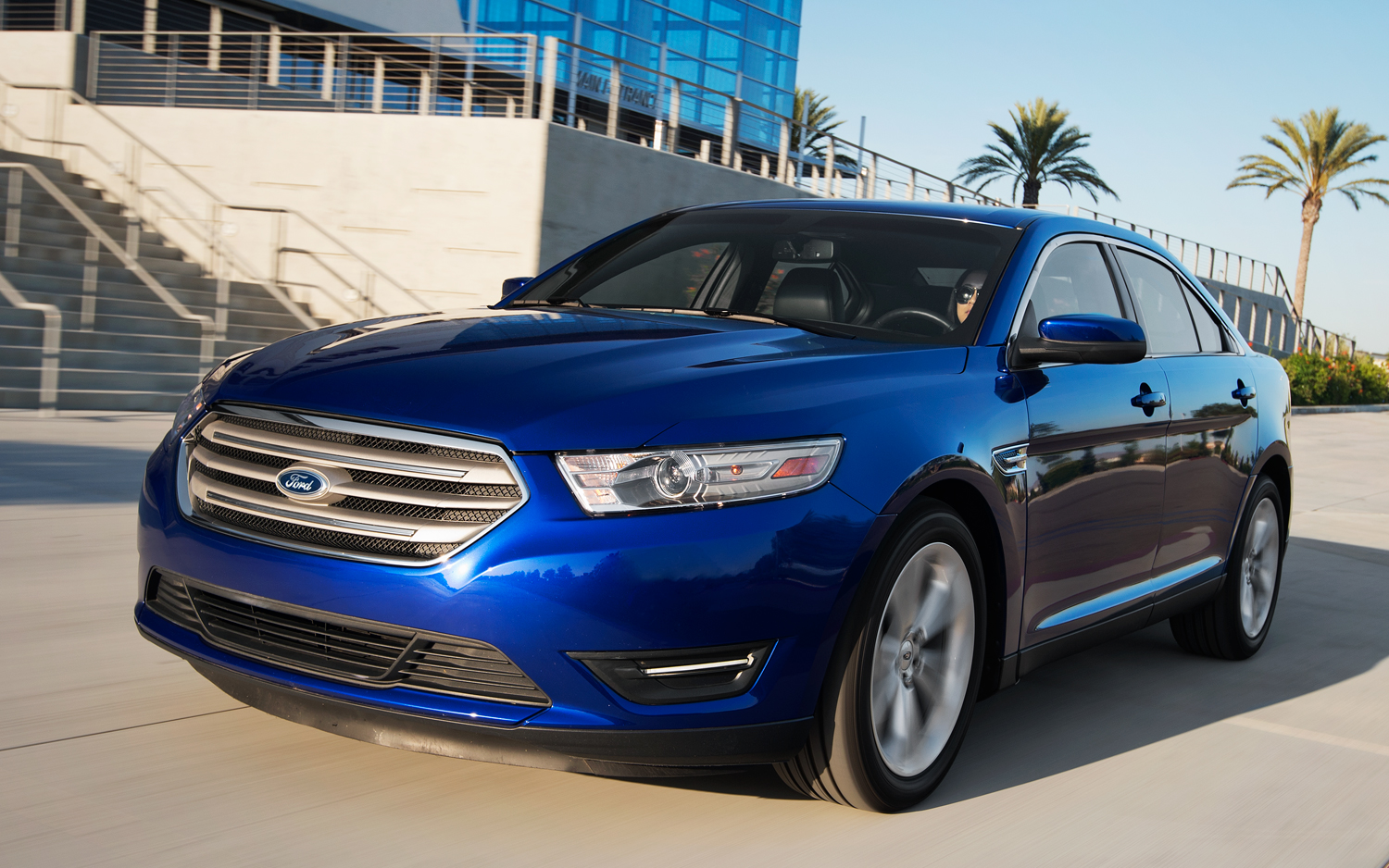 2013 Ford Taurus Sel V 6 First Test Motortrend