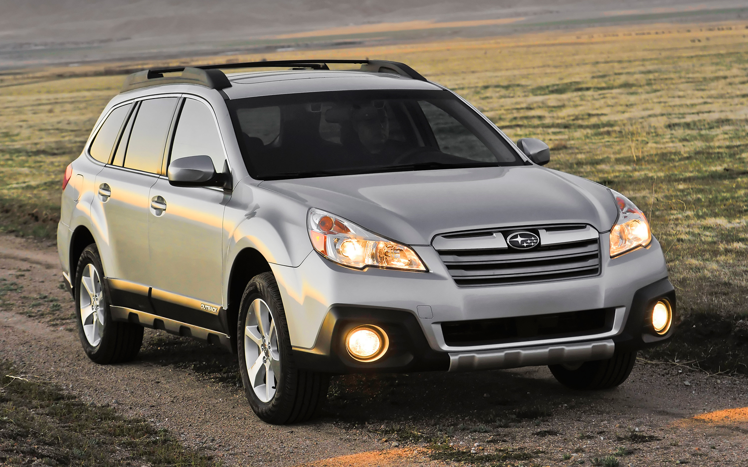 2014 subaru outback 2014 legacy get minor price bumps motor trend rh motortrend com 2014 subaru outback owner's manual pdf 2013 subaru outback user's manual
