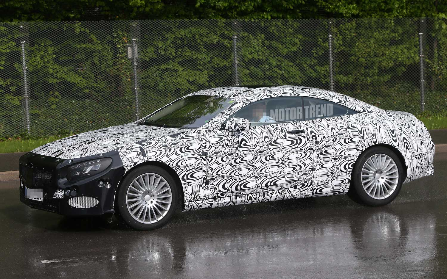 Mercedes-Benz S-Class Coupe Spied Testing on Wet Roads