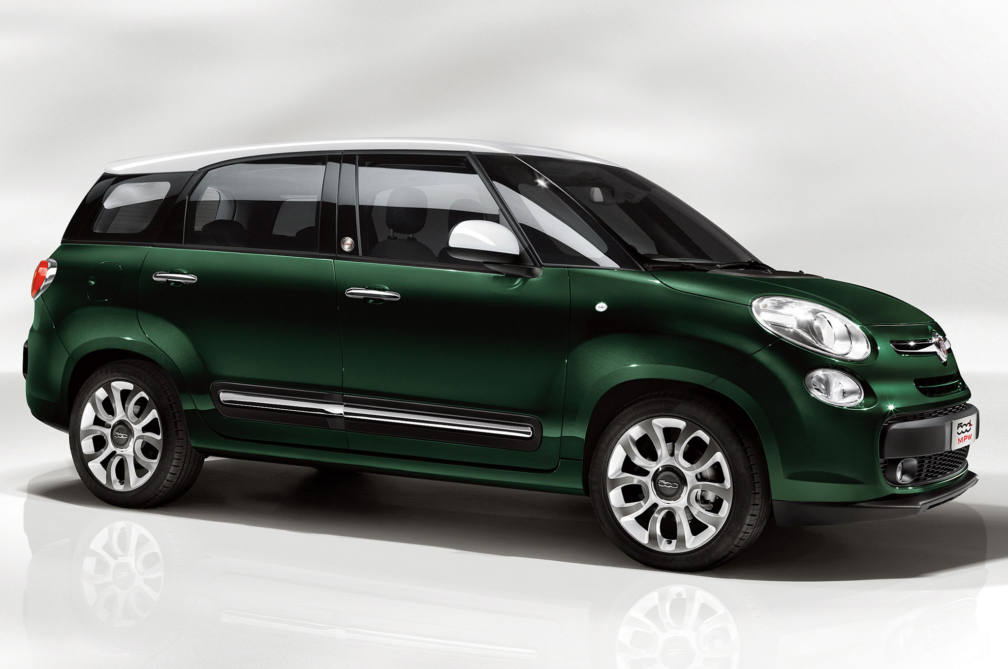 Tight Squeeze Fiat 500L Living is Europe s pact 7 Seater Motor
