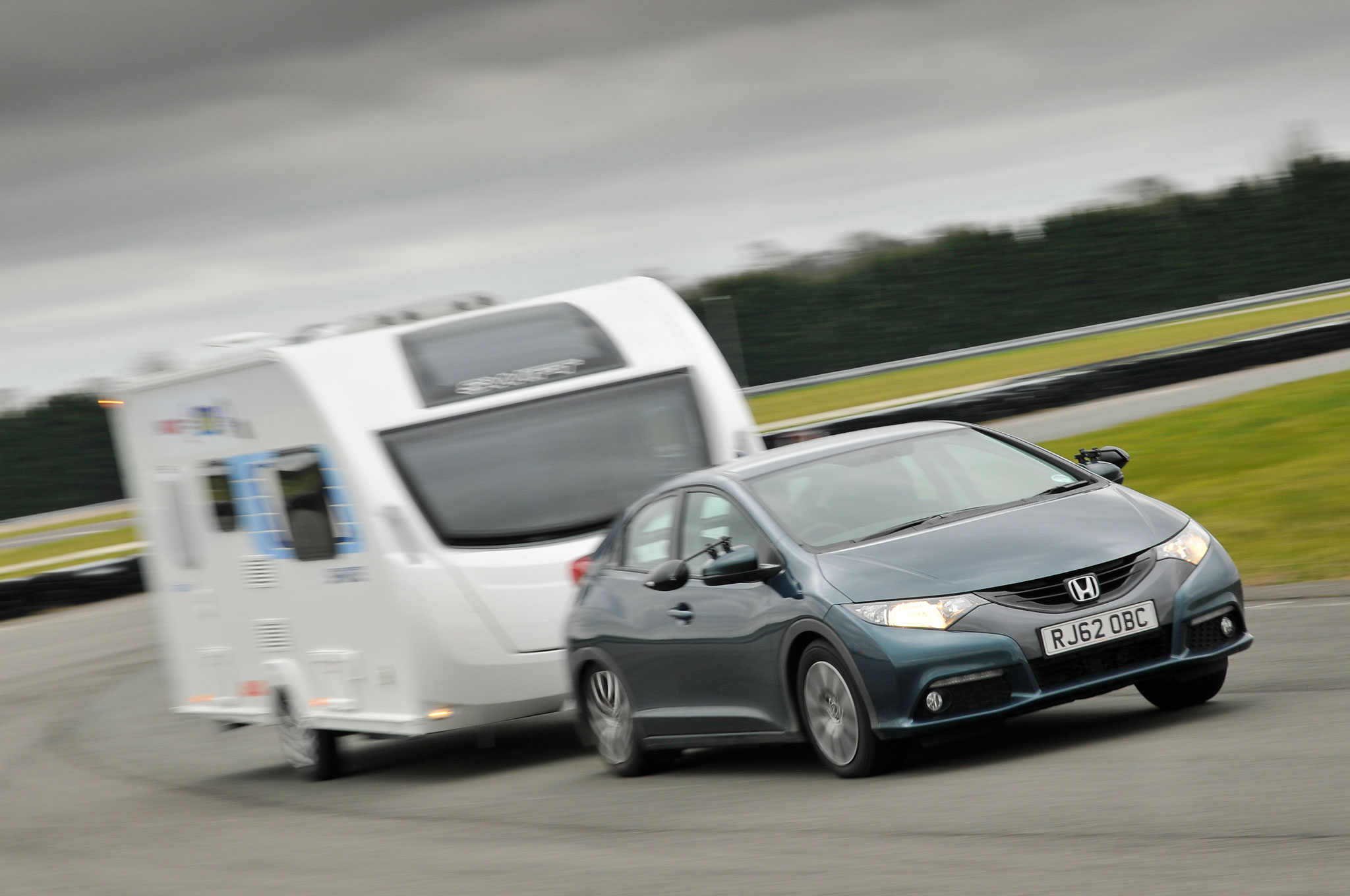 Honda Civic Kia Rio Win Tow Car Awards In UK