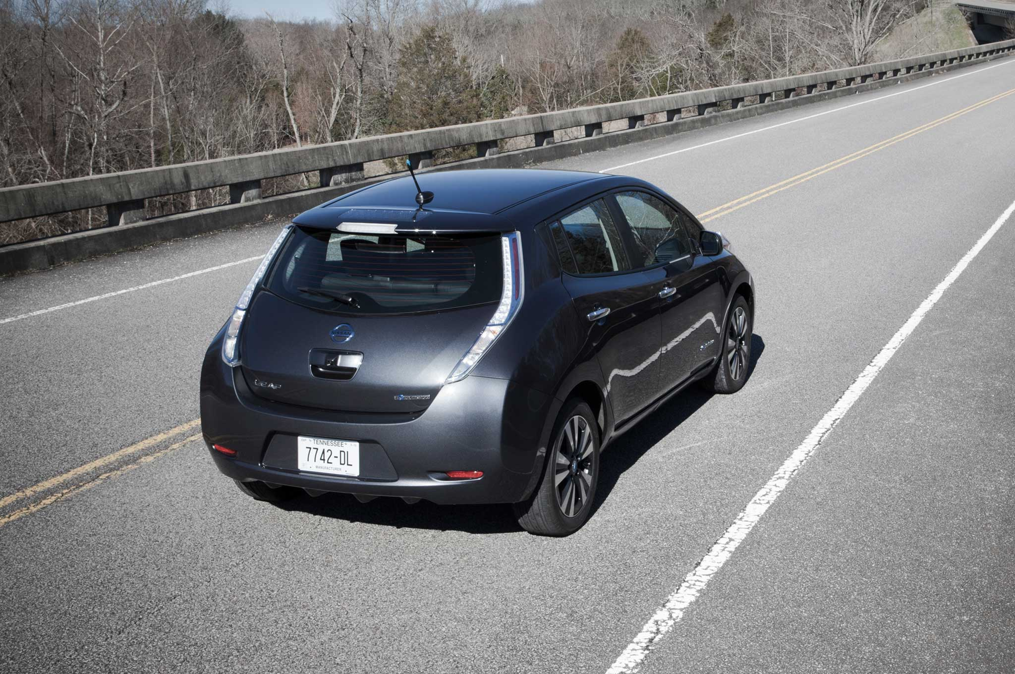 Charming Nissan To Offer $100/Month Battery Replacement Program For Leaf