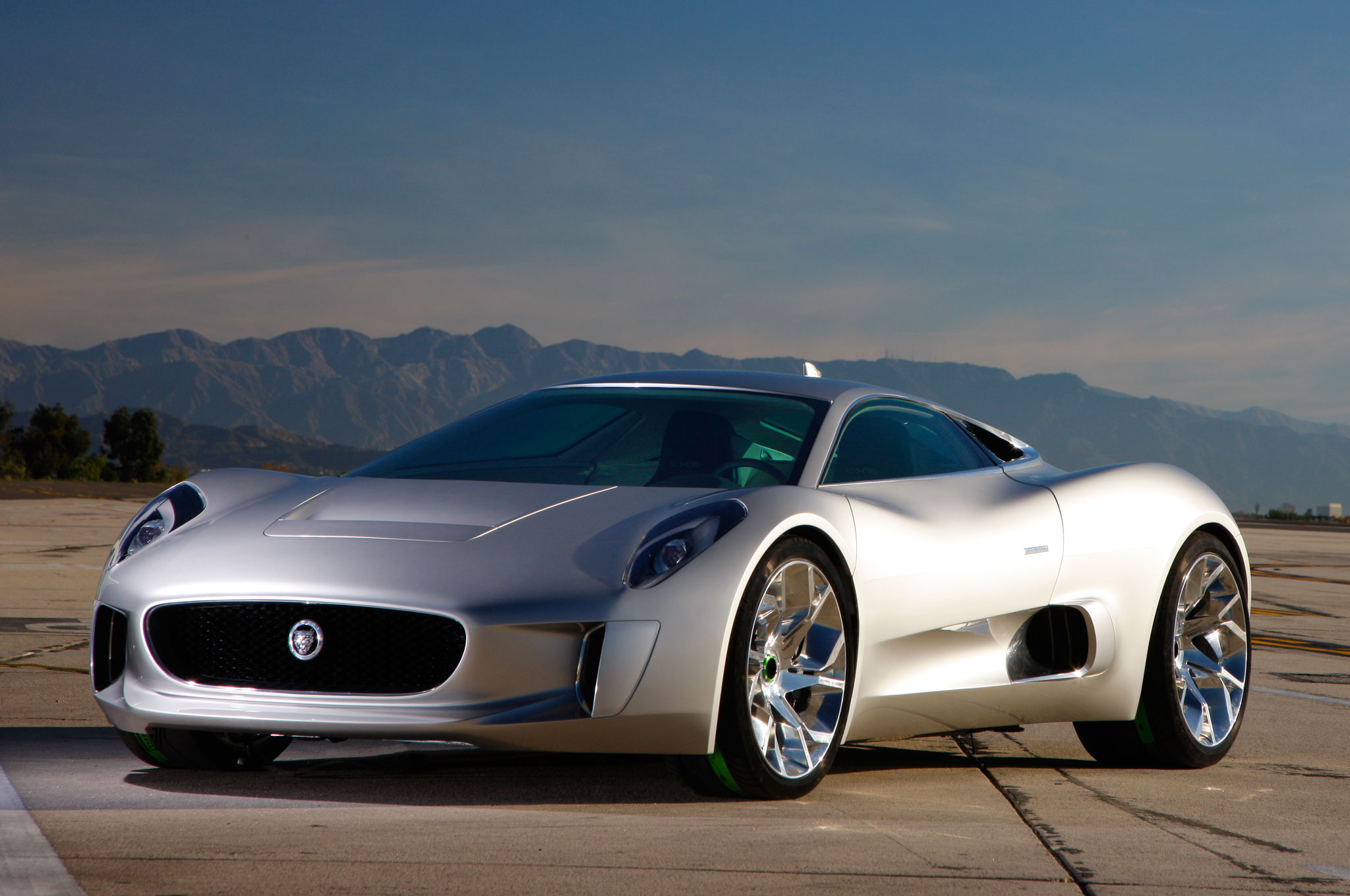 Video: Jaguar C X75 Prototype Put Through Its Paces