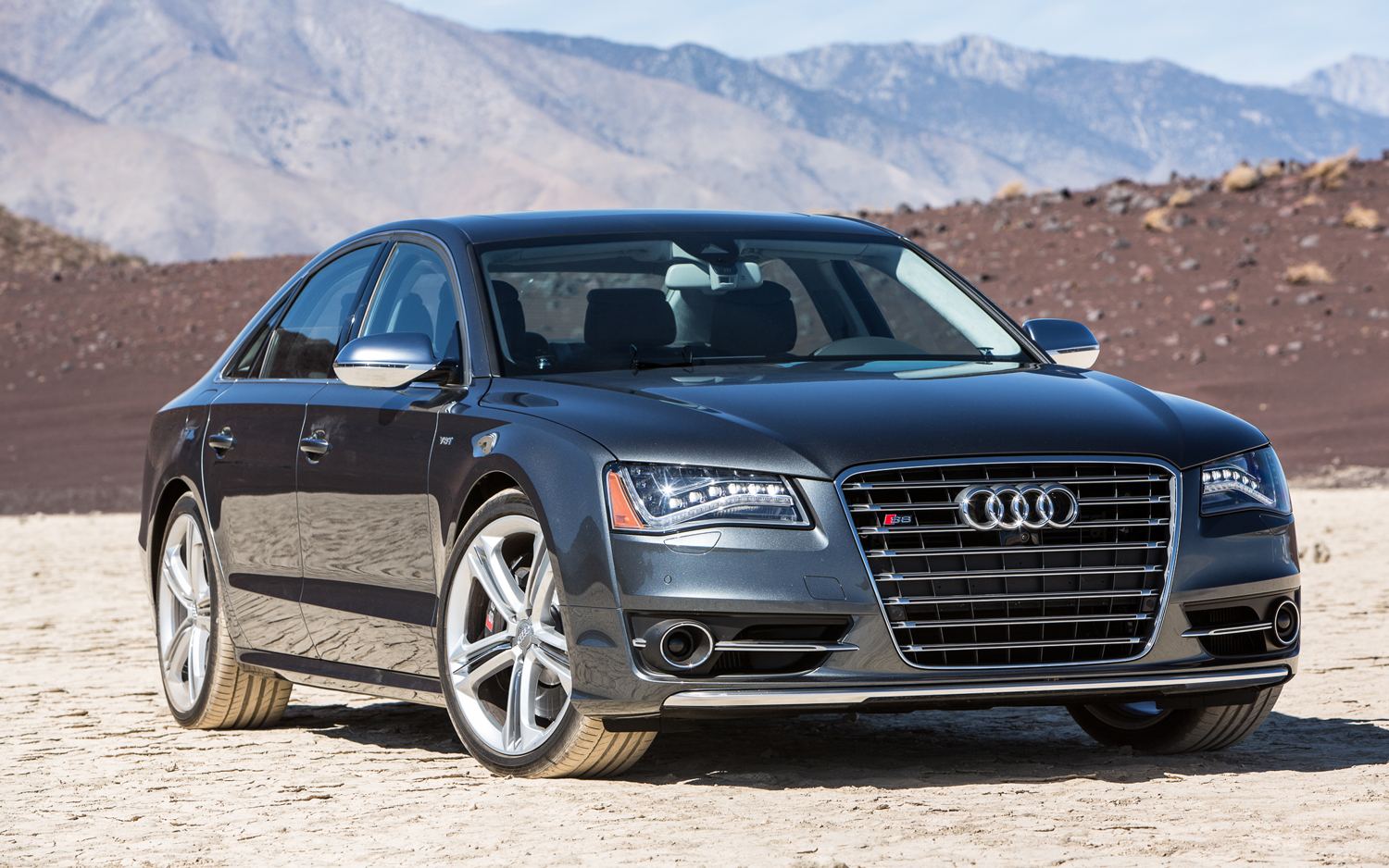Super Sleeper: 2013 Audi S8 Sampled on World's Fastest Car Show