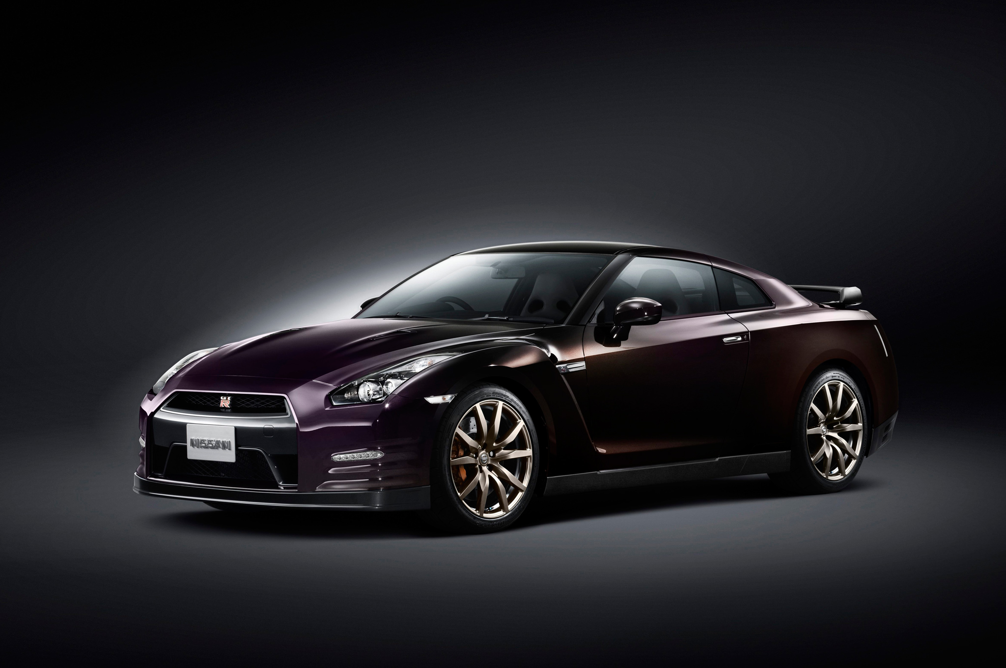 Nissan GT-R Special Edition Gets Exclusive Paint, Costs $106,590